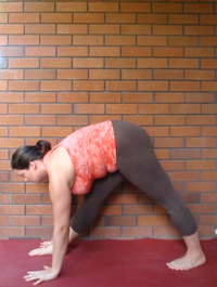 Jessica demonstrating Parsvottanasana