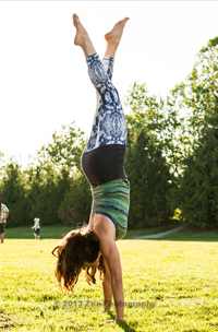 Seka in yoga handstand