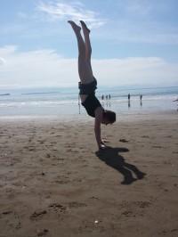 Janelle Hope in handstand