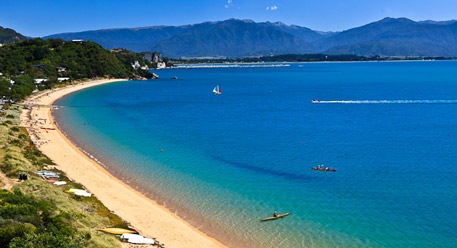 luxury-new-zealand-tours-Golden-Bay